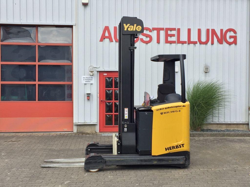 Yale-MR25-Schubmaststapler-www.herbst-gabelstapler.de