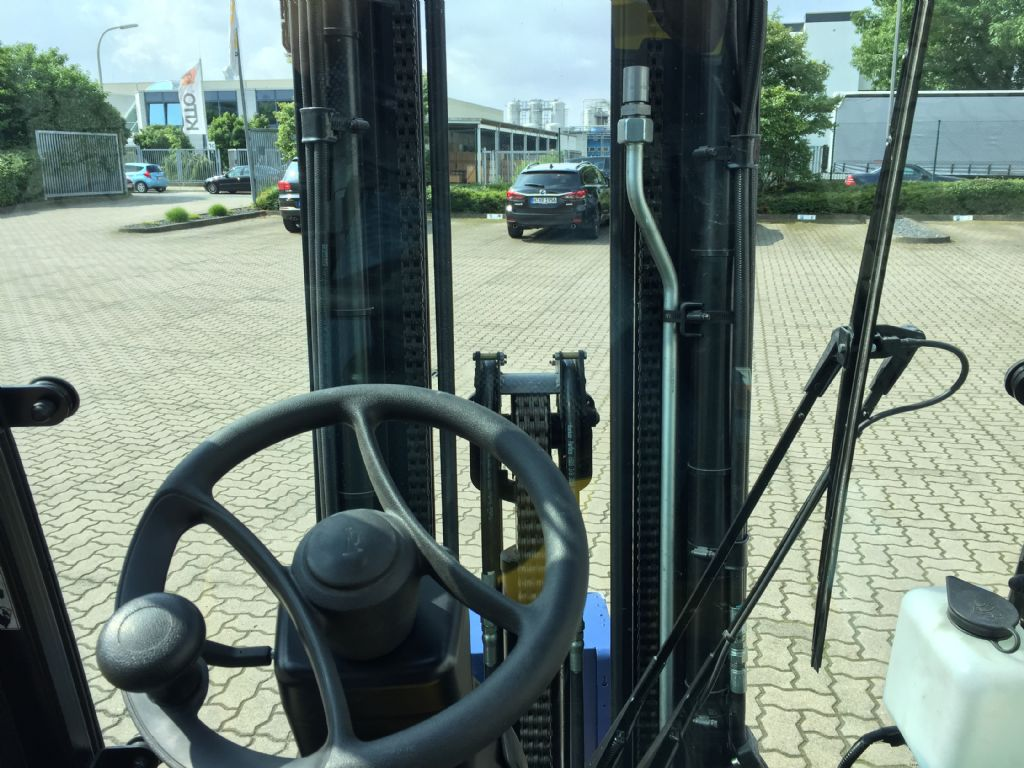 Yale-ERP20VF LWB-Elektro 4 Rad-Stapler-www.herbst-gabelstapler.de