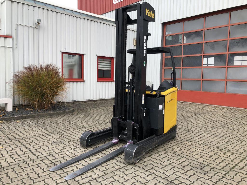 Yale-MR25-Elektro-Schubmaststapler-www.herbst-gabelstapler.de
