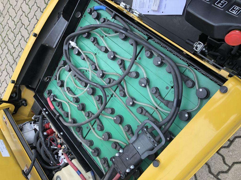 Yale-ERP20VTMWB-Elektro 3 Rad-Stapler-www.herbst-gabelstapler.de
