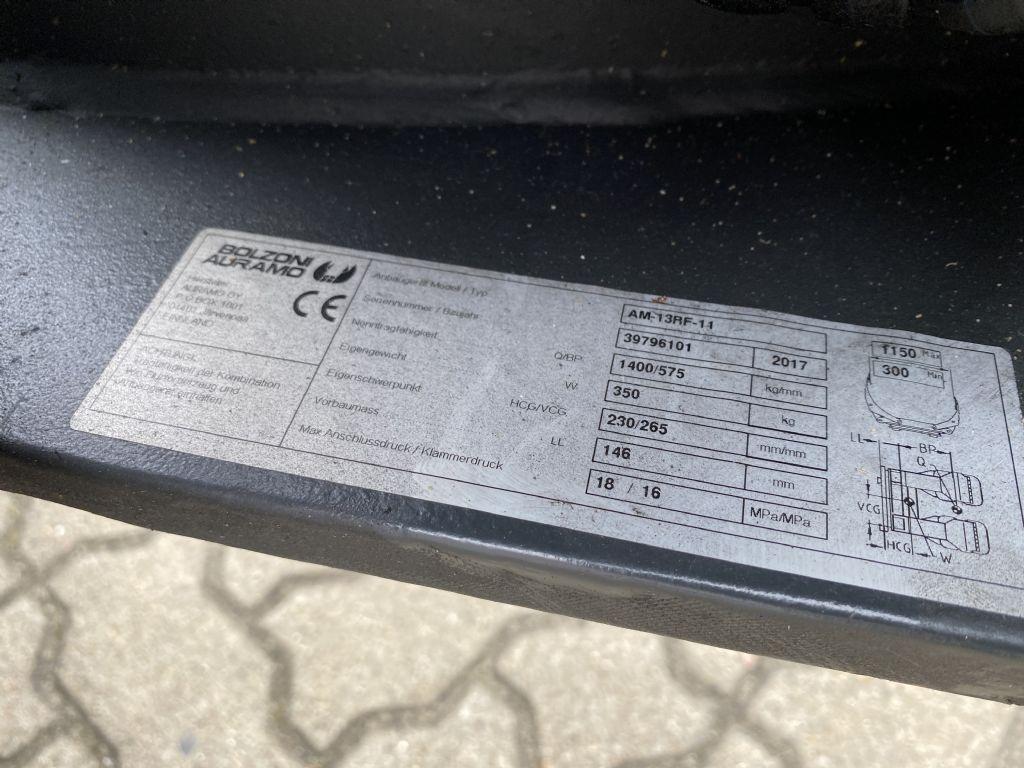 Bolzoni-AM-13RF-11-Papierrollenklammer-www.herbst-gabelstapler.de