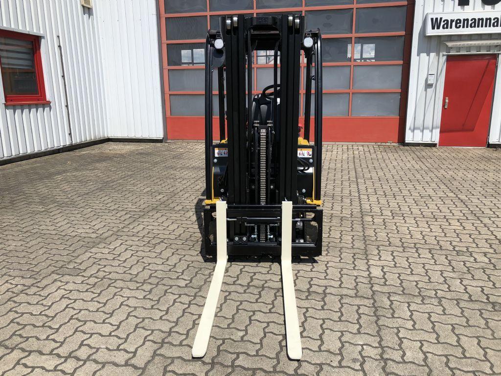 Yale-ERP16VT SWB-Elektro 3 Rad-Stapler-www.herbst-gabelstapler.de