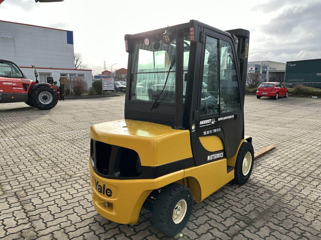 Yale-GDP35VX-Dieselstapler-www.herbst-gabelstapler.de