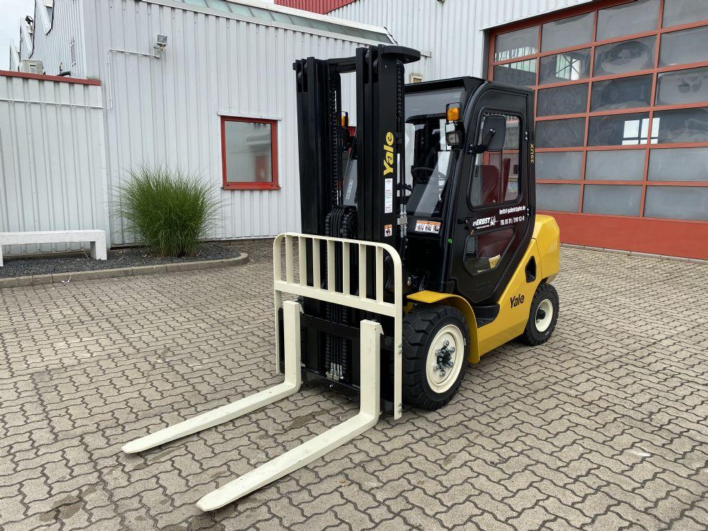 Yale-GDP35UX-Dieselstapler-www.herbst-gabelstapler.de