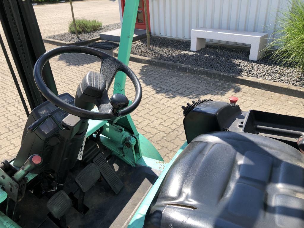 Mitsubishi-FG25-Treibgasstapler-www.herbst-gabelstapler.de