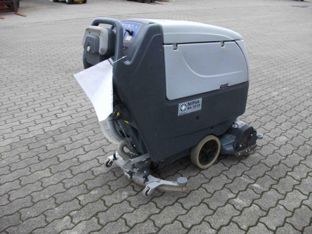 Nilfisk-BA 551 D-Scheuersaugmaschine-www.herbst-gabelstapler.de