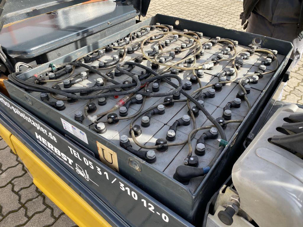 Still-R60-30-Elektro 4 Rad-Stapler-www.herbst-gabelstapler.de