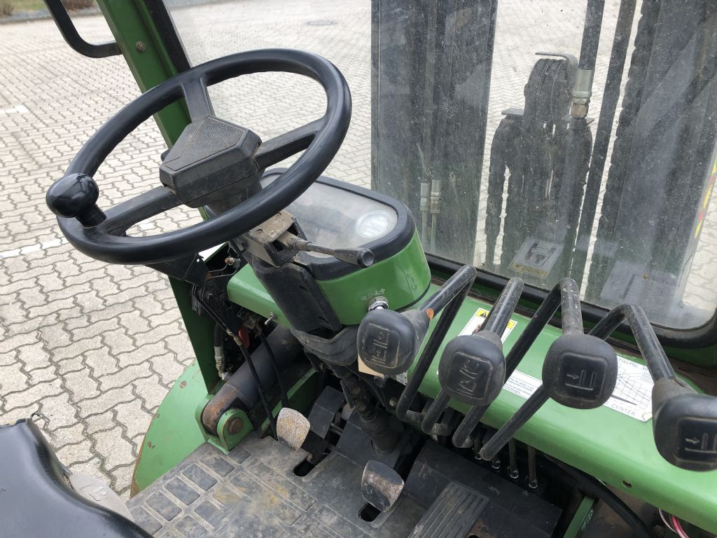 Artison-FD30-Dieselstapler-www.herbst-gabelstapler.de