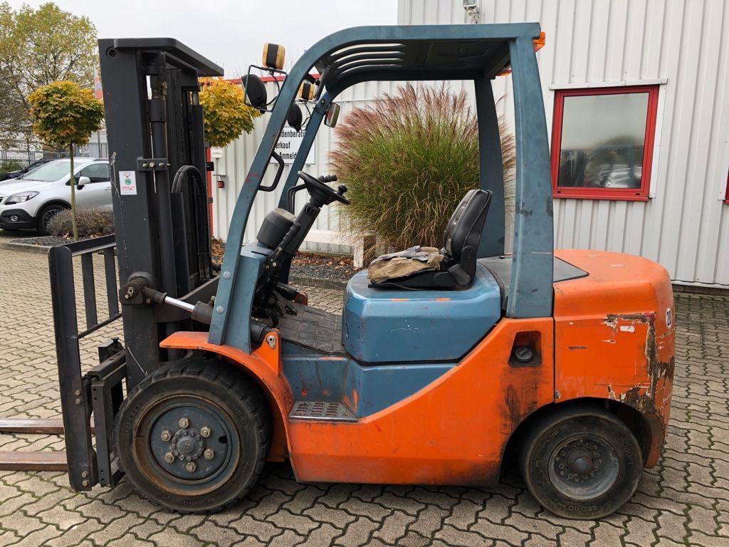 Goodsense-FD30B-Dieselstapler-www.herbst-gabelstapler.de