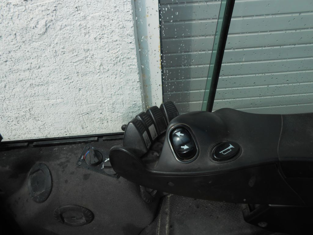 Yale GDP 35 VX Productivi Dieselstapler www.staplerservice.de