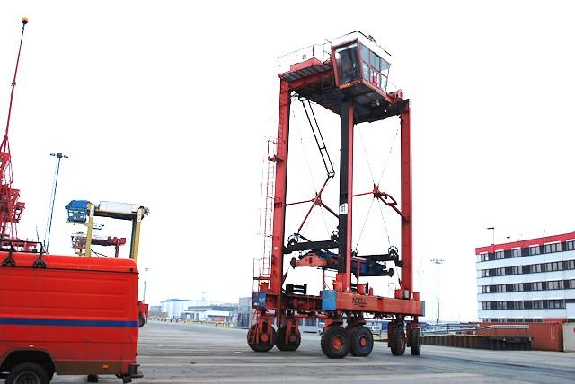 Fantuzzi Fantuzzi Noell PPH444-HSW Full-container handler