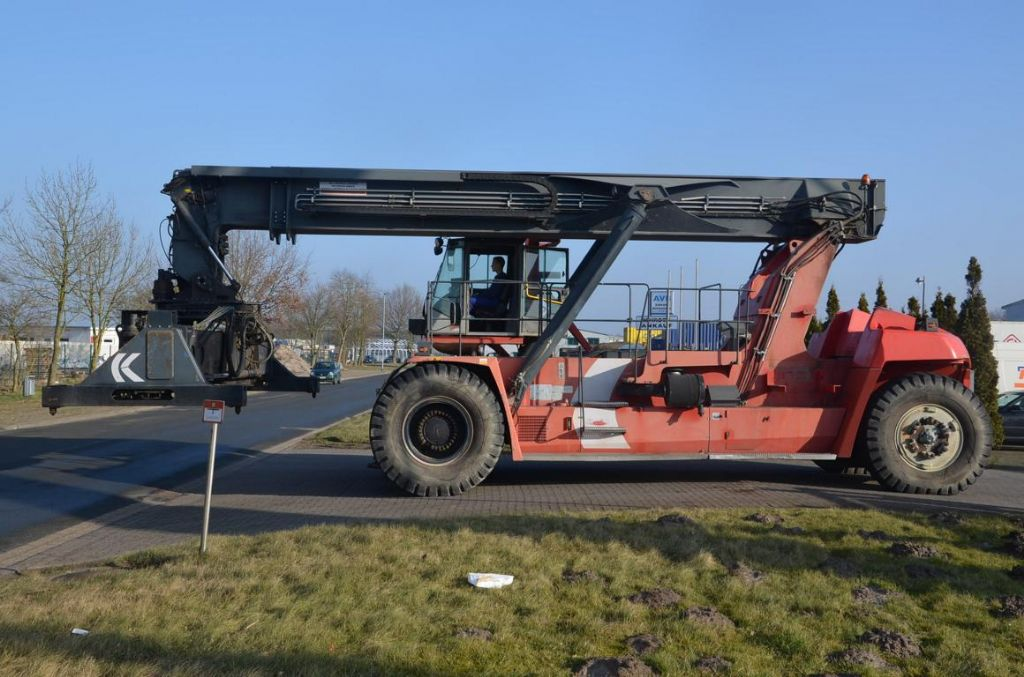 Kalmar DRF450-70C5XS Full-container reach stacker www.hinrichs-forklifts.com