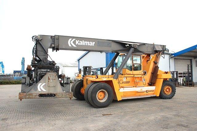 Kalmar DC3760-RC4 Empty Container Reachstacker