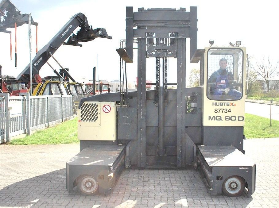 Hubtex MQ90D Four-way side loader www.hinrichs-forklifts.com