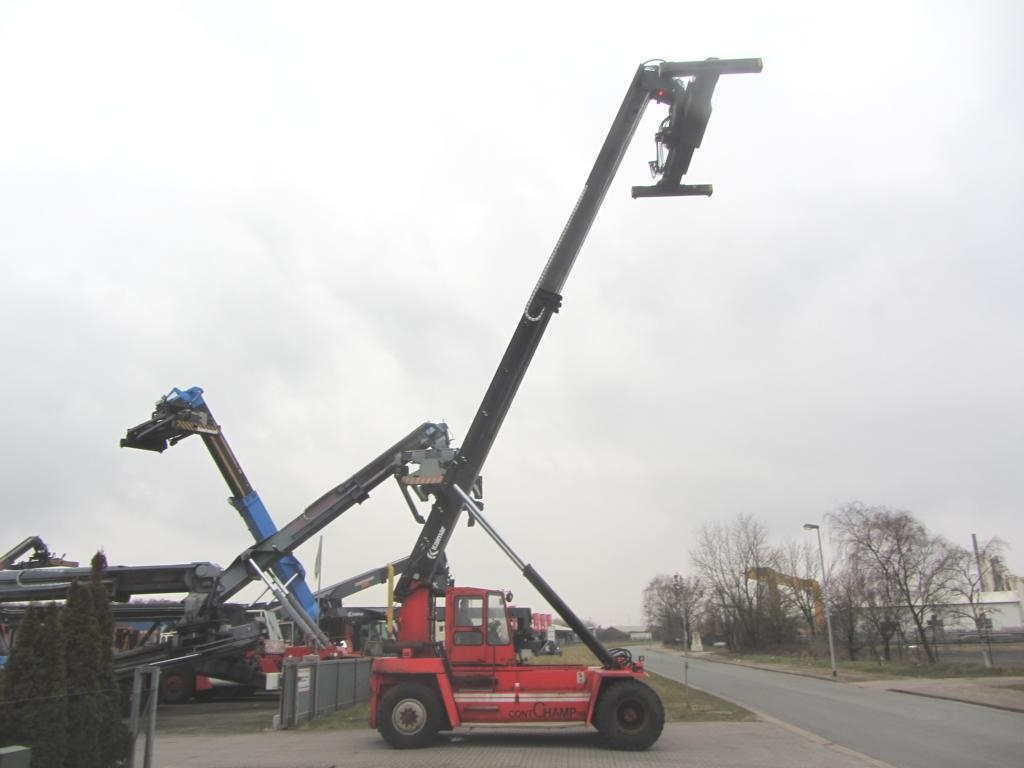 Kalmar DC845RS5 Empty Container Reachstacker