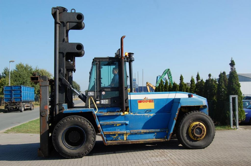 Hyster H18.00XM-12EC Empty Container Handler www.hinrichs-forklifts.com