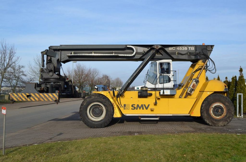 SMV SC4535TB5 Vollcontainer Reachstacker www.hinrichs-forklifts.com