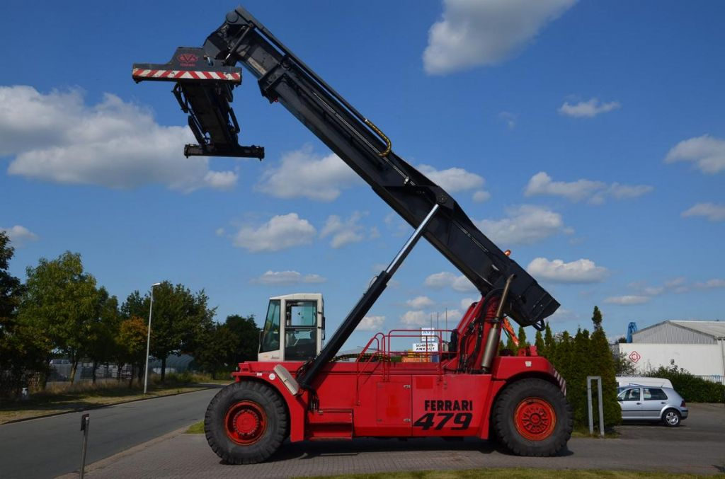 CVS Ferrari F479.5-S Vollcontainer Reachstacker www.hinrichs-forklifts.com