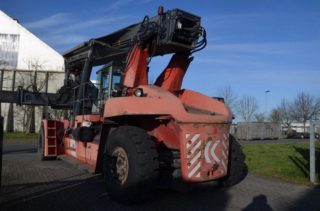 Kalmar DRF420-65S5 Full-container reach stacker