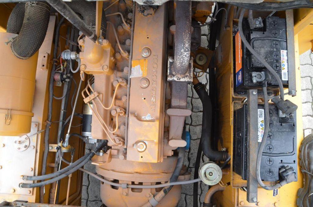 Komatsu FD70-5 Diesel Forklift
