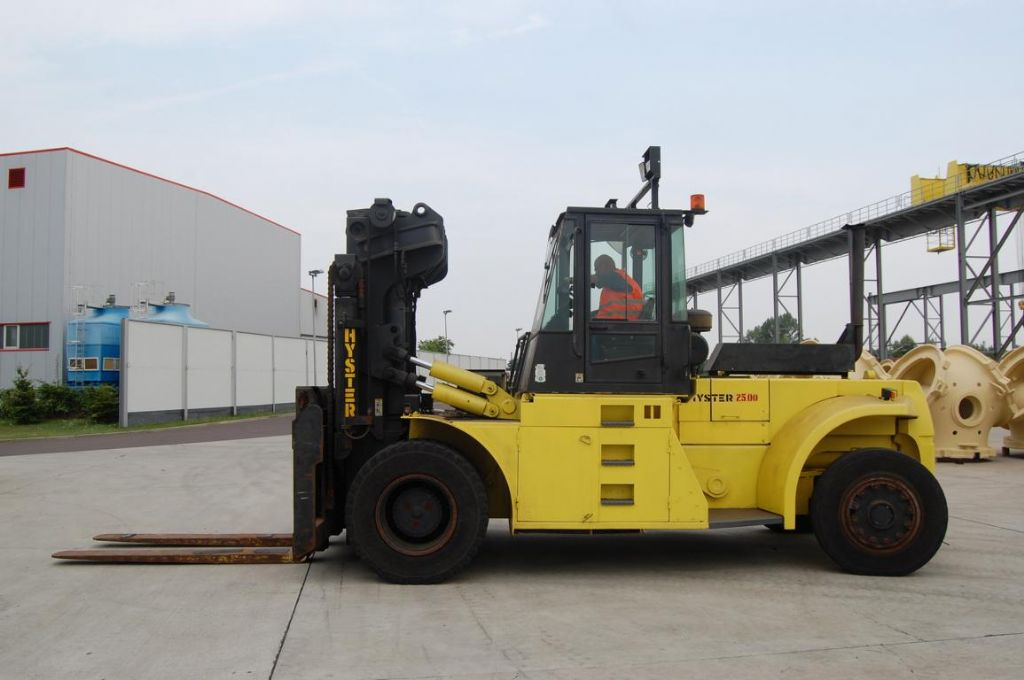 Hyster H25.00F Heavy Forklifts www.hinrichs-forklifts.com