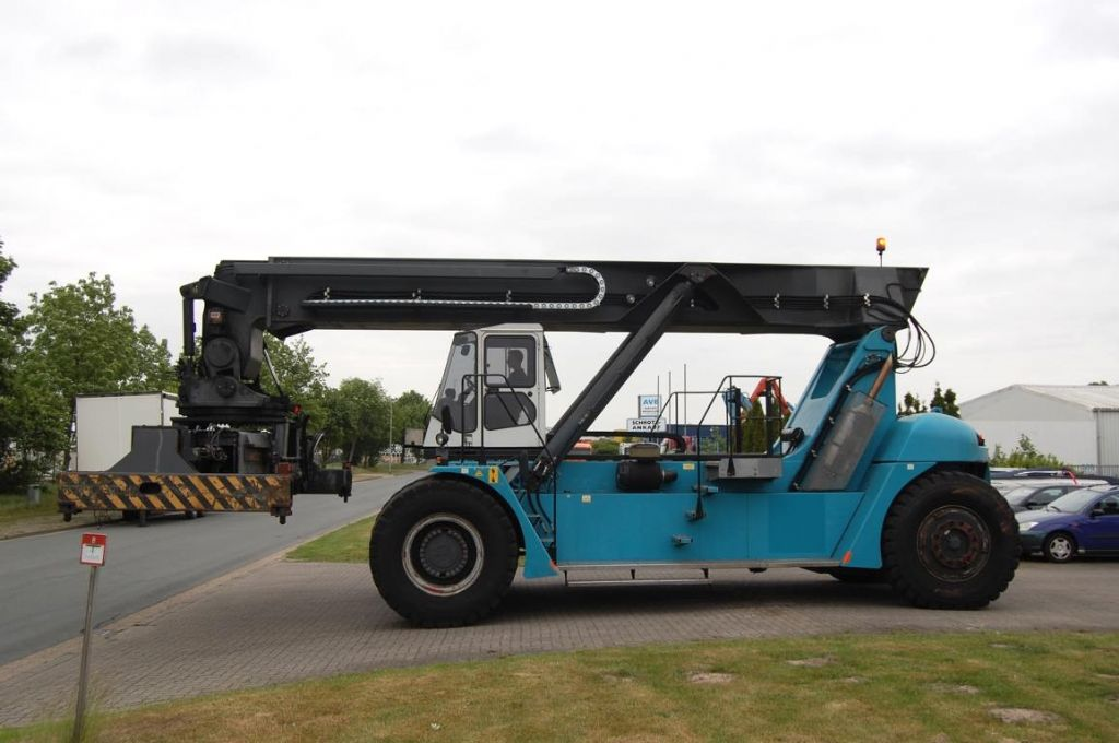 SMV 4535TB5 Vollcontainer Reachstacker www.hinrichs-forklifts.com
