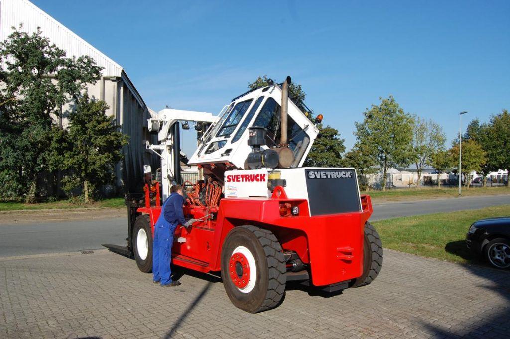 Svetruck 13,6-120-32 Diesel Forklift
