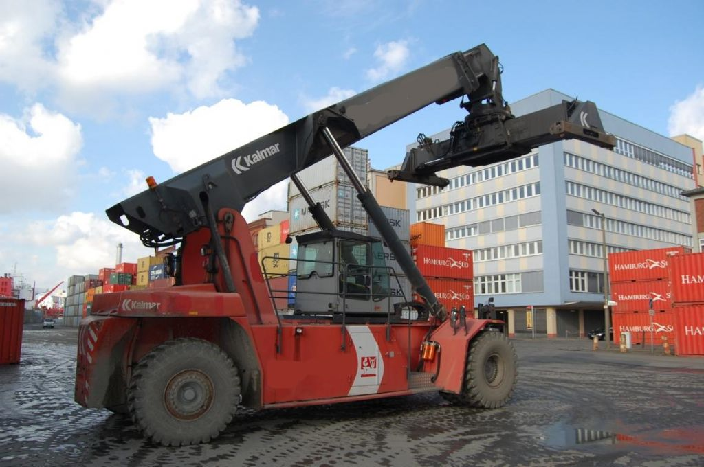 Kalmar DRS4531-S5 Full-container reach stacker