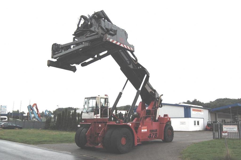 CVS Ferrari F478.5S Full-container reach stacker