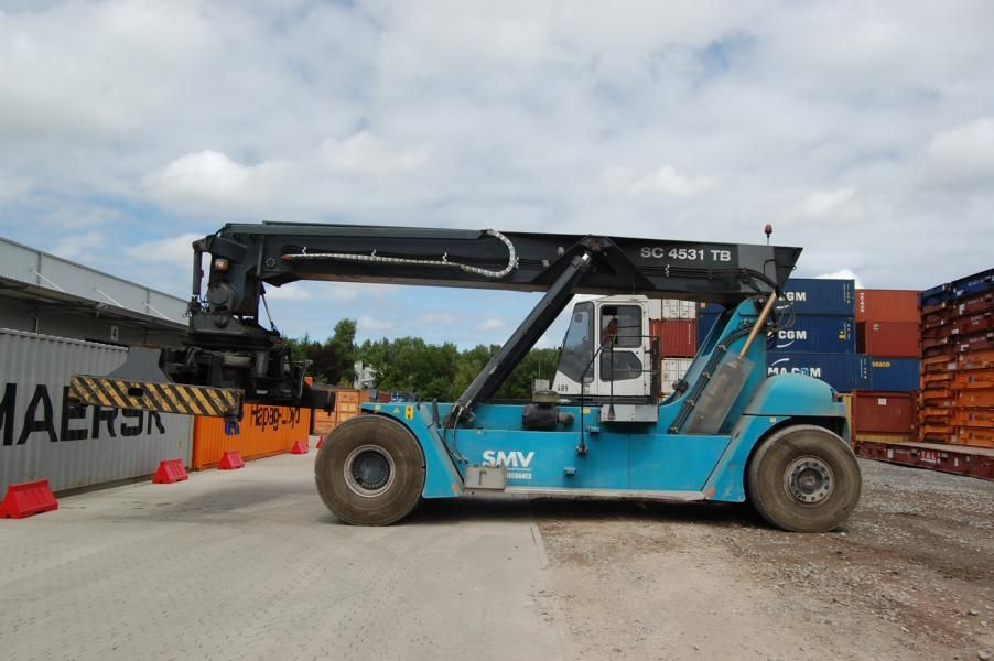 SMV SC4531TB5 Vollcontainer Reachstacker www.hinrichs-forklifts.com