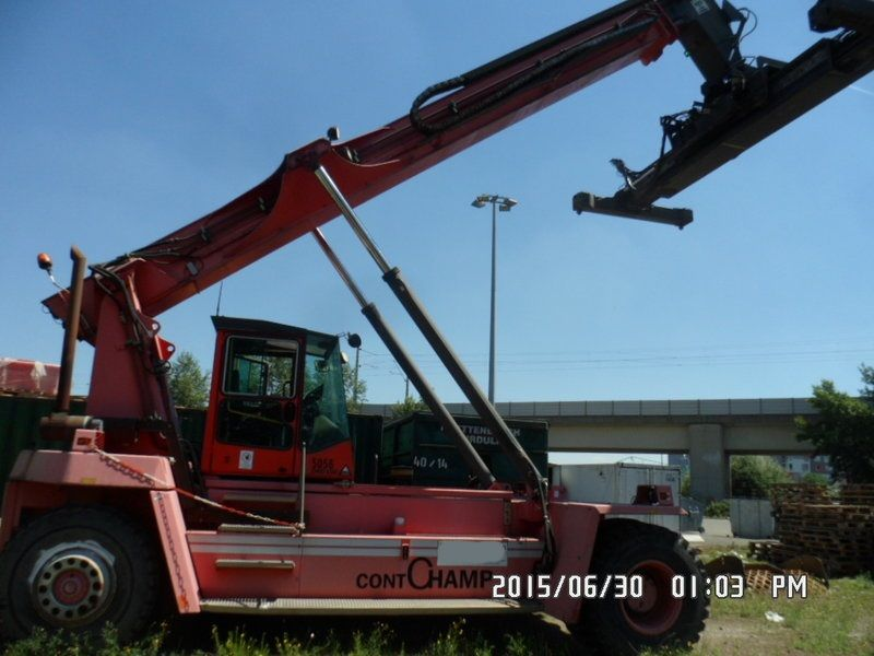 Kalmar DRD100-52S6 Leercontainer Reachstacker www.hinrichs-forklifts.com