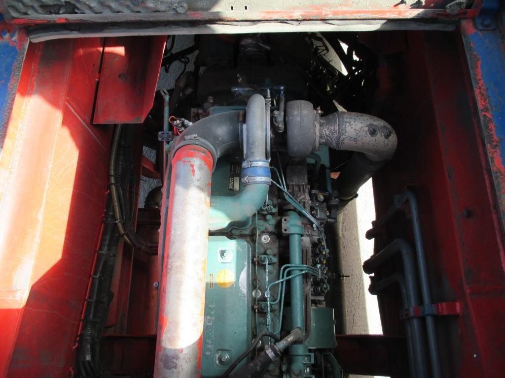 CVS Ferrari F168 Full-container reach stacker