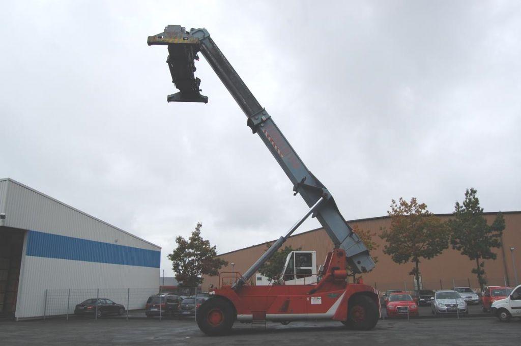 CVS Ferrari F198.5 Full-container reach stacker