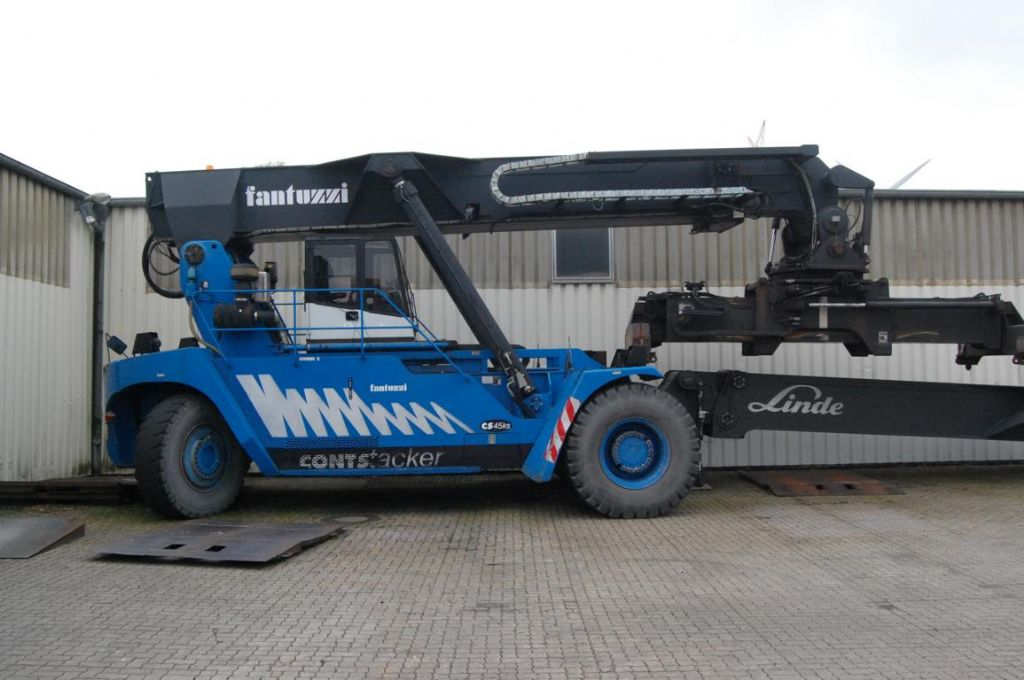 Fantuzzi CS45KS Vollcontainer Reachstacker www.hinrichs-forklifts.com