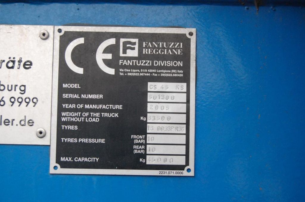 Fantuzzi CS45KS Full-container reach stacker