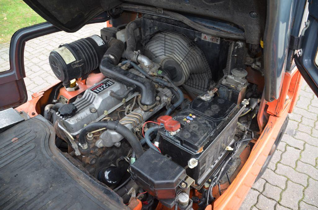 Toyota 7FD25 Diesel Forklift