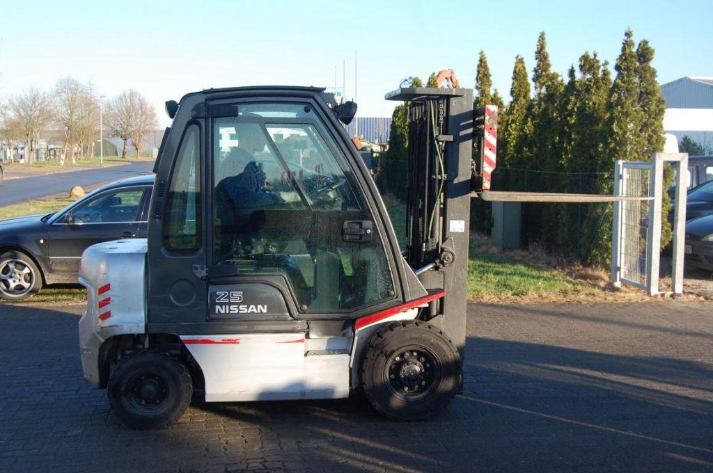 Diesel Gabelstapler-Nissan-FD02A250