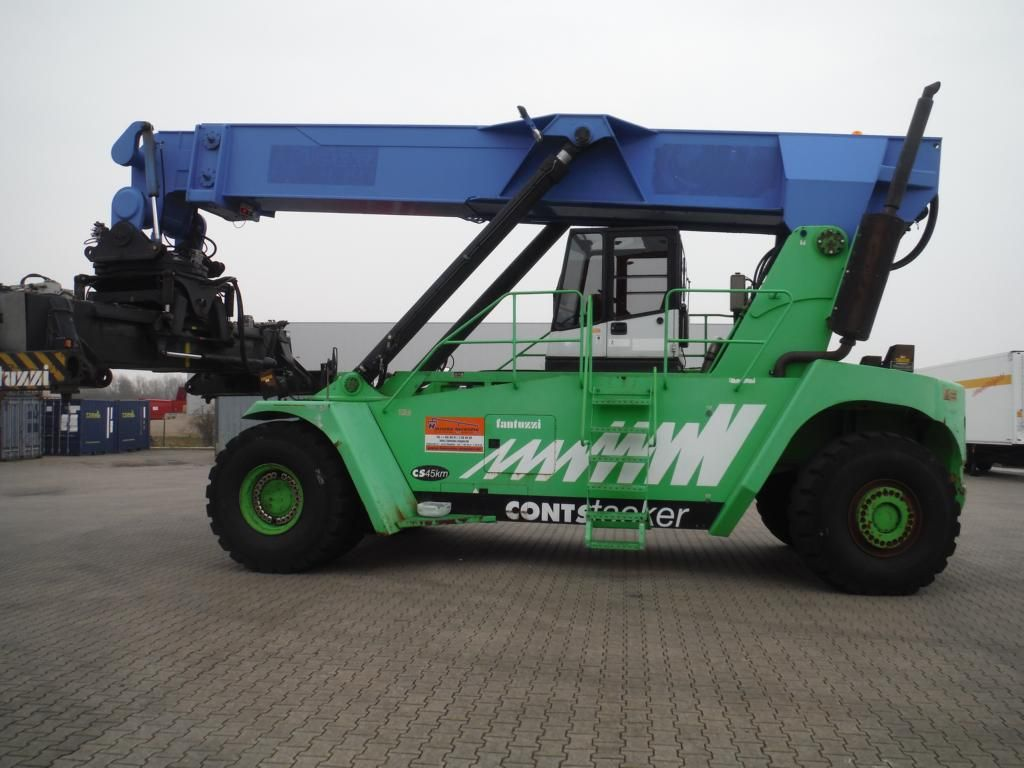 Reach Stacker-Fantuzzi-SC45KM