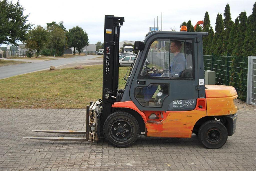 Diesel Gabelstapler-Toyota-62-7FDF30