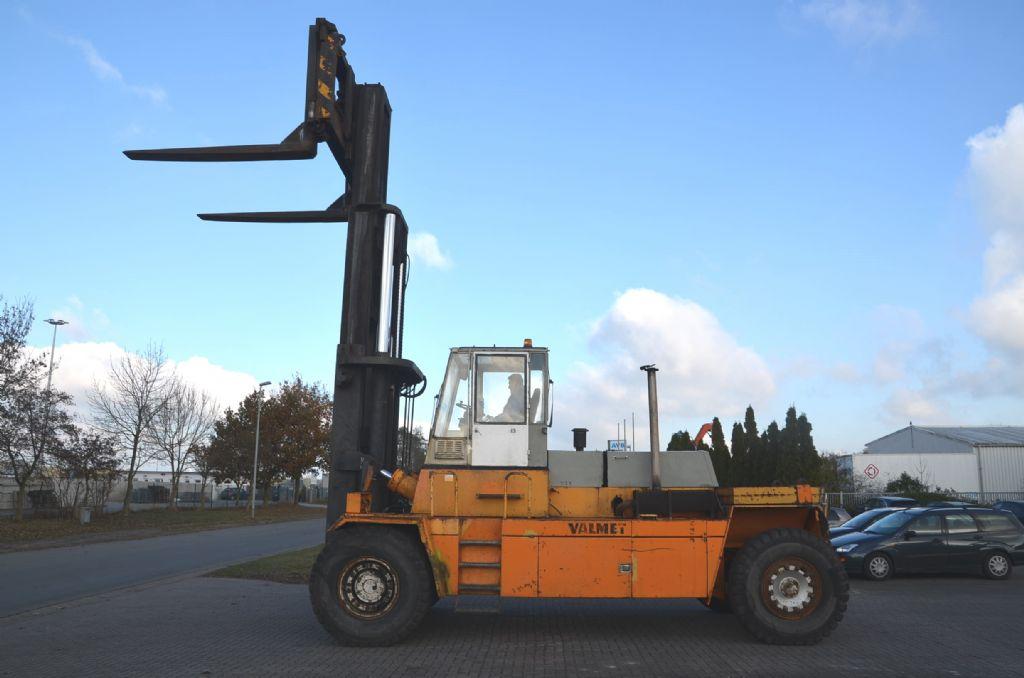 Kalmar Valmet TD3012 Heavy Forklifts