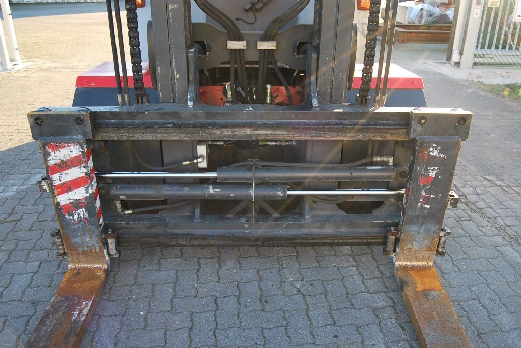 Kalmar DCE80-9 Diesel Forklift