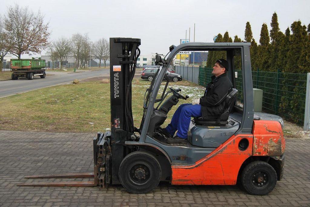 Toyota 028FDF25 Diesel Forklift www.hinrichs-forklifts.com