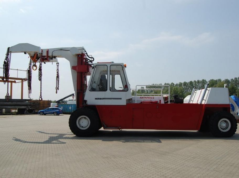 Herbst - ATAIR HFH ATAIR IX D620 Heavy Forklifts www.hinrichs-forklifts.com