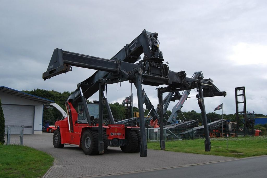 Kalmar DRF400-60C5 Full-container reach stacker