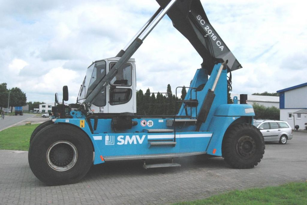 SMV SC2016CA Empty Container Reachstacker