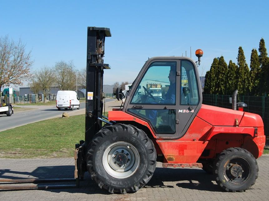 Manitou M30.4 (4-wheel-drive) Rough terrain forklift truck www.hinrichs-forklifts.com