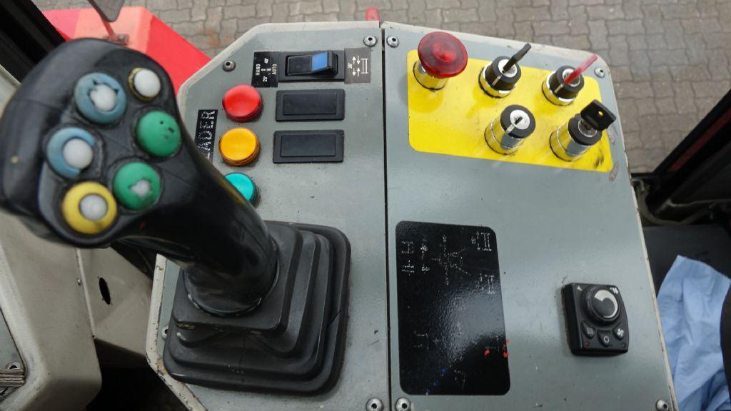 CVS Ferrari F16W Empty Container Handler