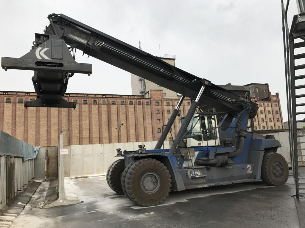 Kalmar DRF450-65S5 Full-container reach stacker www.hinrichs-forklifts.com