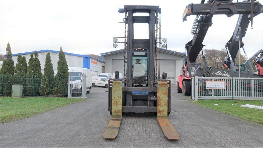 Kalmar DCE120-12 Schwerlaststapler