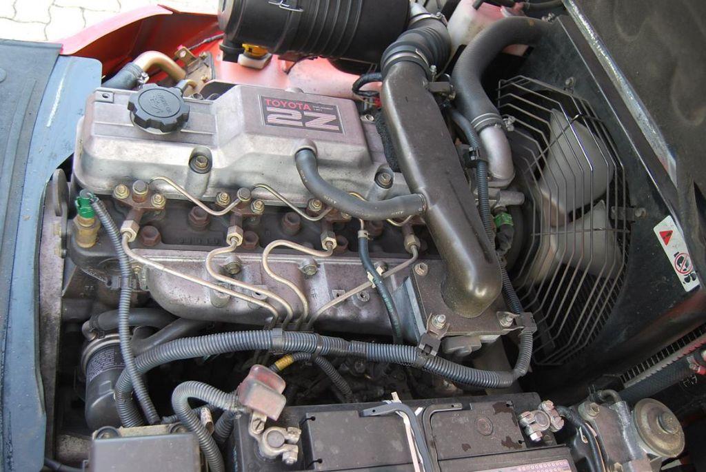 ToyotaFDJF35-02